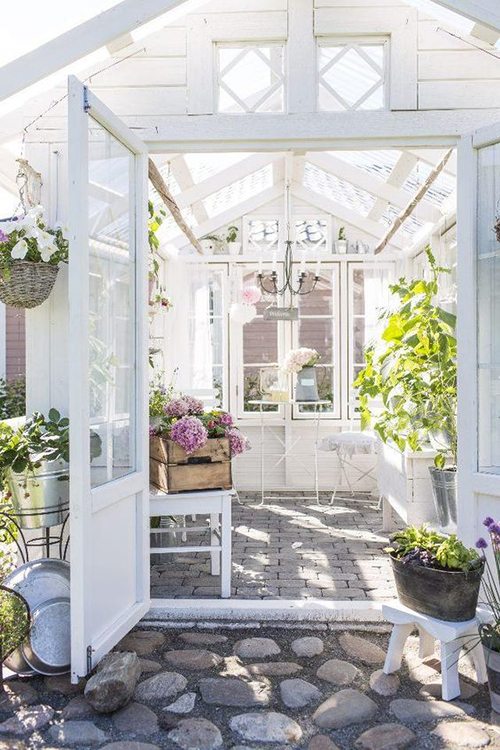 Gorgeous Greenhouses | ST. LOUIS HOMES & LIFESTYLES
