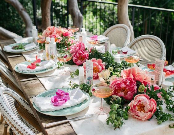 Tips for Carefree Outdoor Entertaining