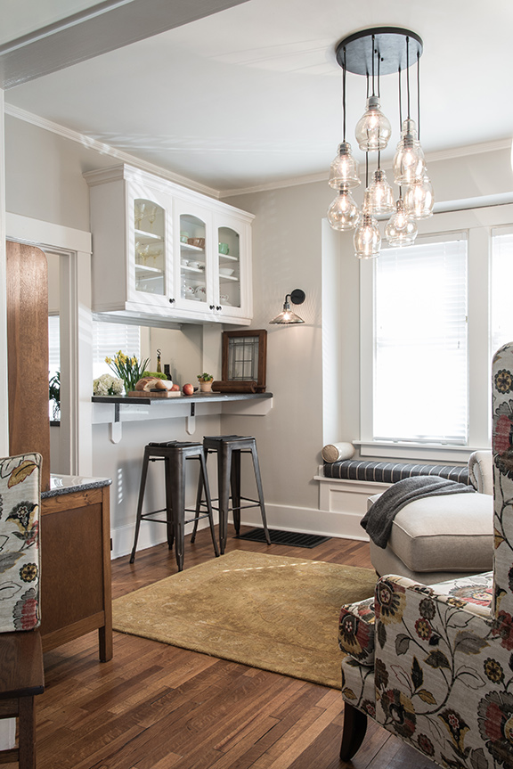 The Area Near Stacy Strode S Kitchen Is Now Ideal Spot For Everything From A Quiet Breakfast To Gathering Friends Enjoy Wine And