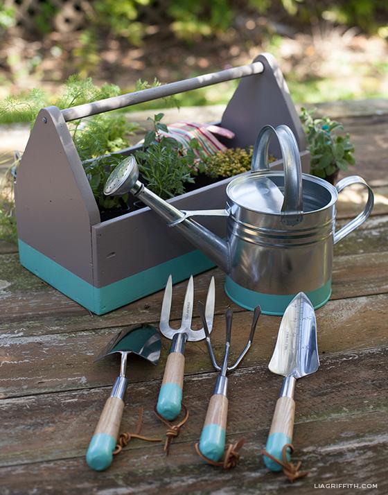 Garden Gadgets & Accessories