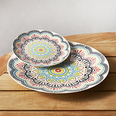 Friday Favorites: Outdoor Dinnerware