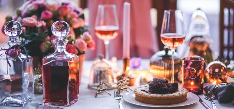 6 Steps to Building Your Holiday Tablescape